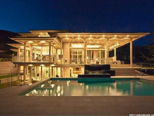 500 Luxury real estate, Modern homes for sale, Luxury pools