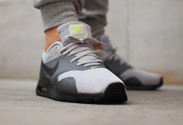 low priced e57ca b888d Nike Air Max Tavas Neon