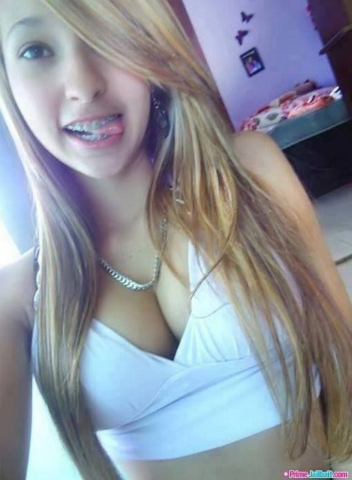 Pin By Variety On Tounges In 2019 Sexy Teens Cute Girls Braces Girls