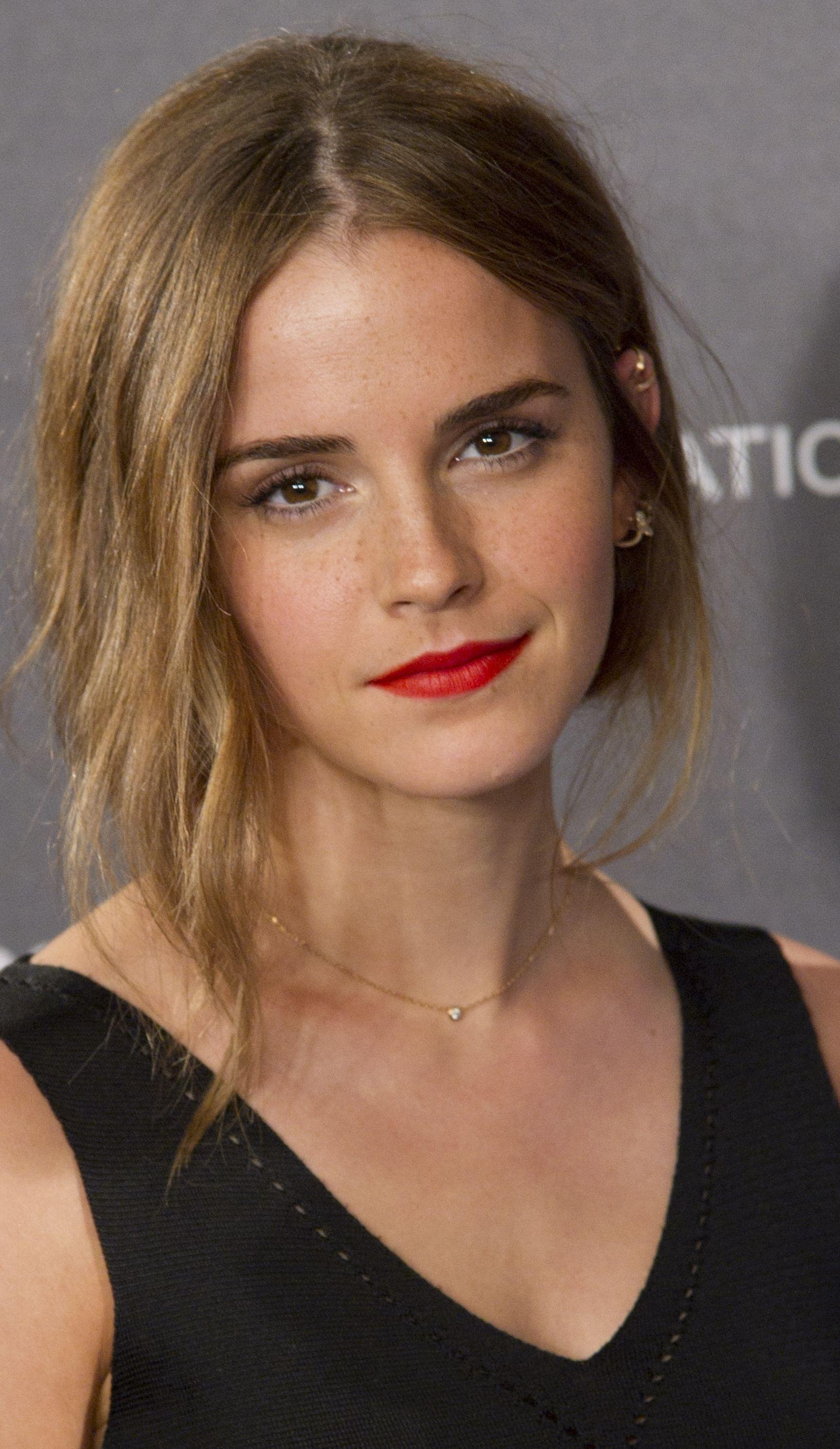 """Watch Emma Watson In Trailer """"colonia"""" Hair"""