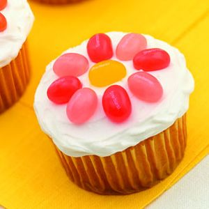 Flower Cupcake So Simple And Cute For Easter Or Any Spring Event