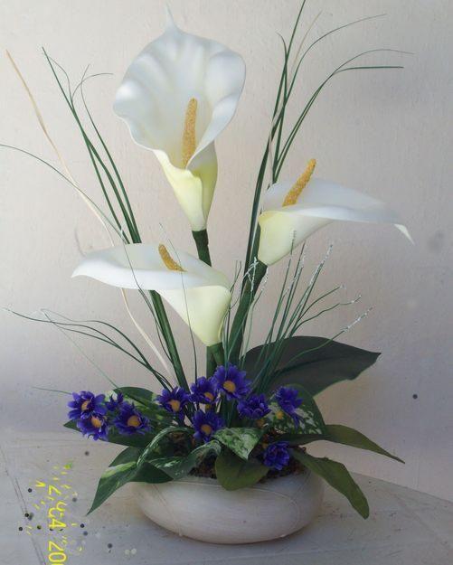 como hacer un centro de mesa con flores celebrar fiestas es muy bonitos siempre