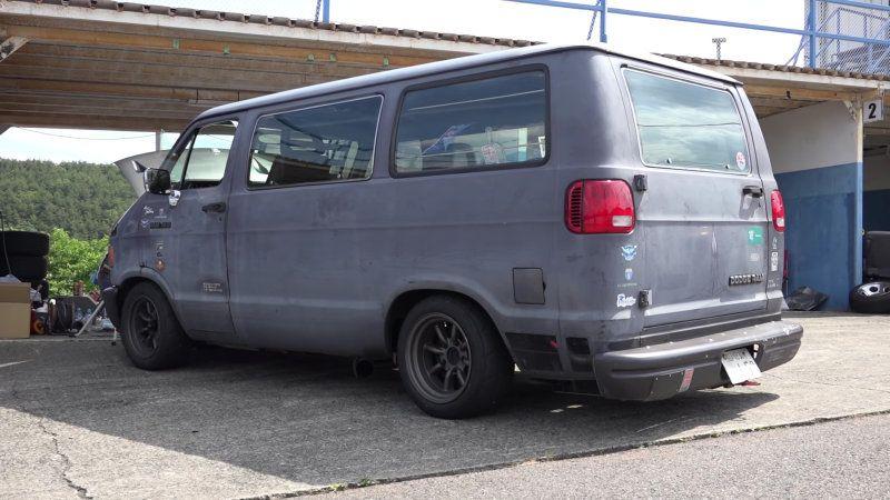 Old Dodge Vans Are Big In Japan Dodge Van Van Dodge