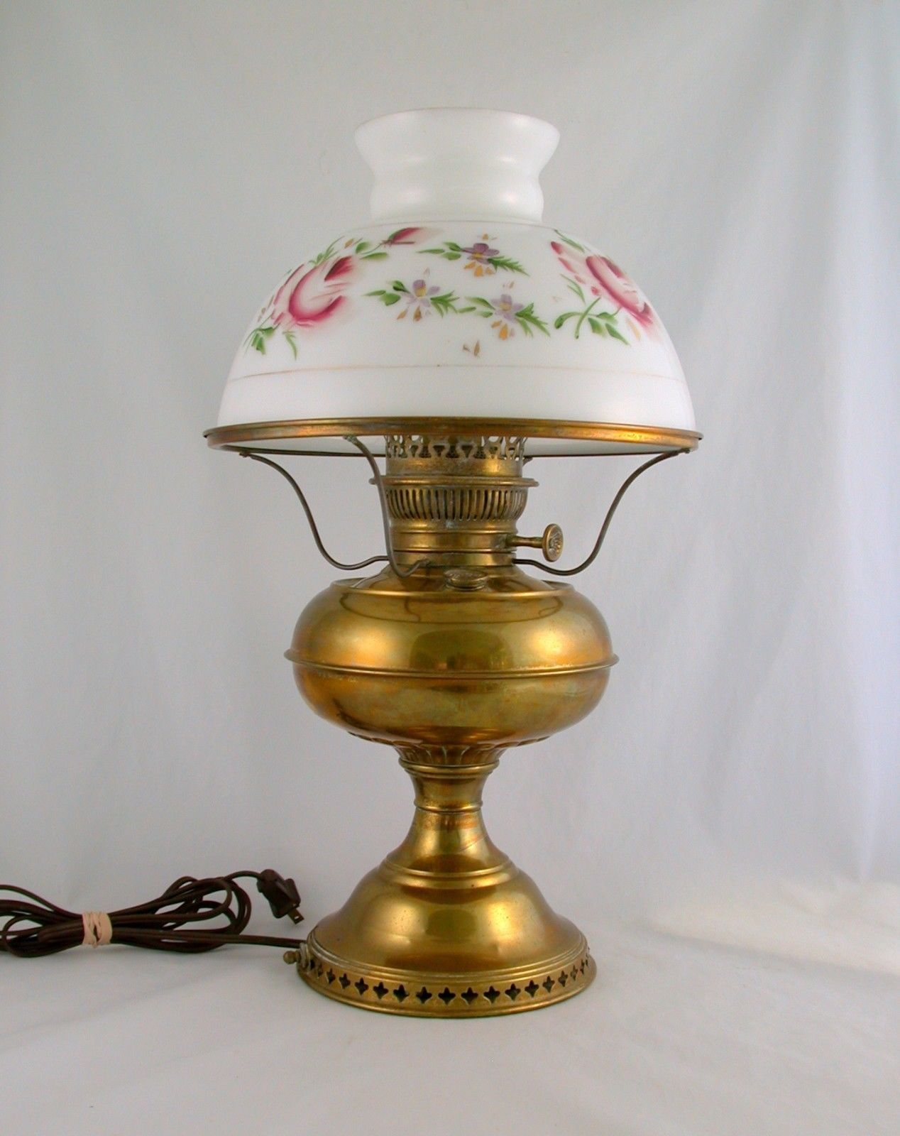 Details About Antique Victorian Brass Oil Lamp W Period