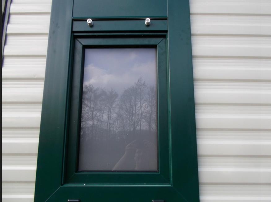 Kömmerling fenster grüne Farbe mit Fensterrahmen aus galvalum ...