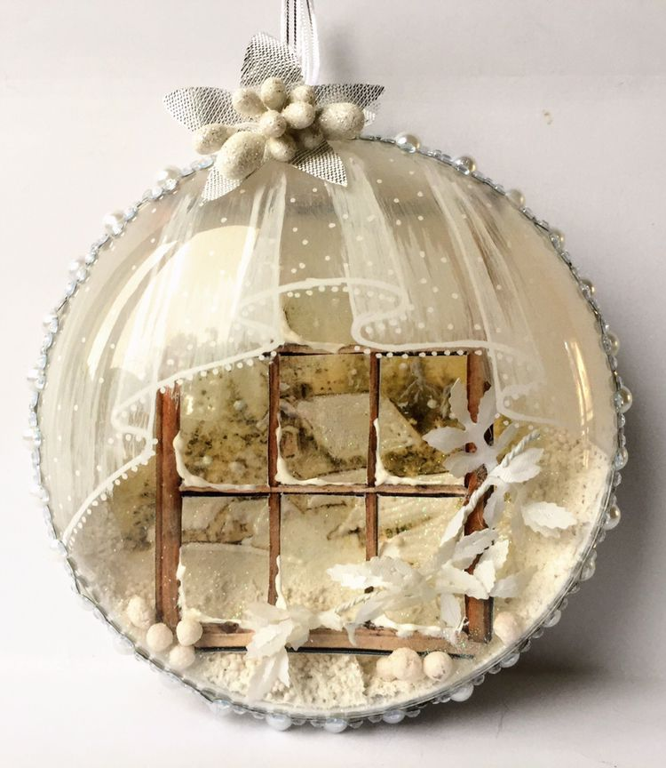 Bombka Medalion Z Okienkiem I Firanka Christmas Crafts For Gifts Christmas Ornaments Snowman Christmas Ornaments