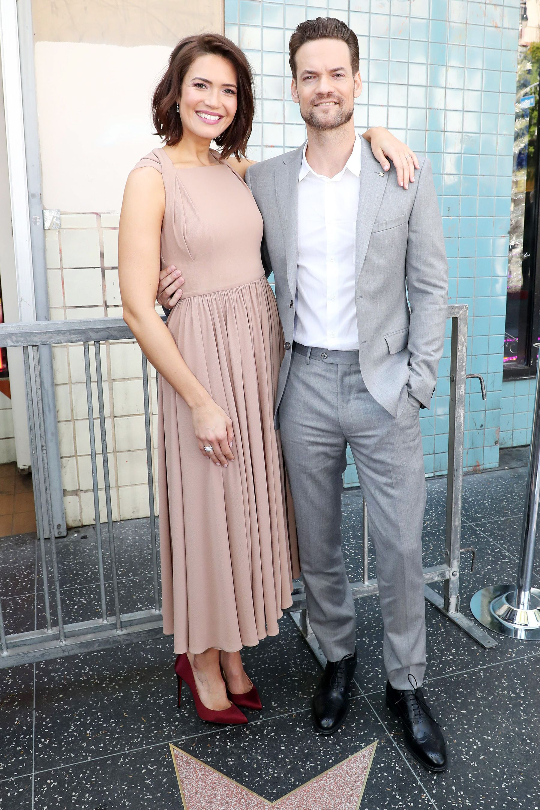 A Walk To Remember Reunion Shane West Gushes Over Mandy Moore At Her Walk Of Fame Ceremony Hollywood Walk Of Fame Hollywood Walk Of Fame Star Shane West