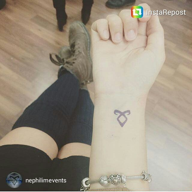 Chloe lucescu 39 s got the angelic rune tattoo xx for Mortal instruments tattoo