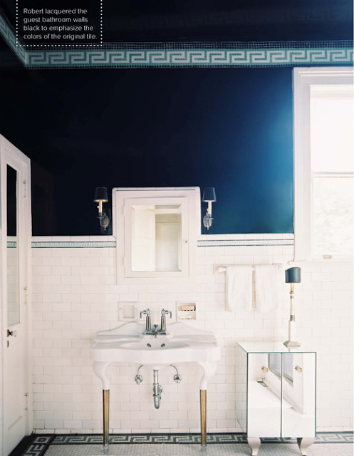 Chinoiserie Chic The Greek Key Bathroom White Bathroom Decor Dark Blue Bathrooms Blue Bathroom