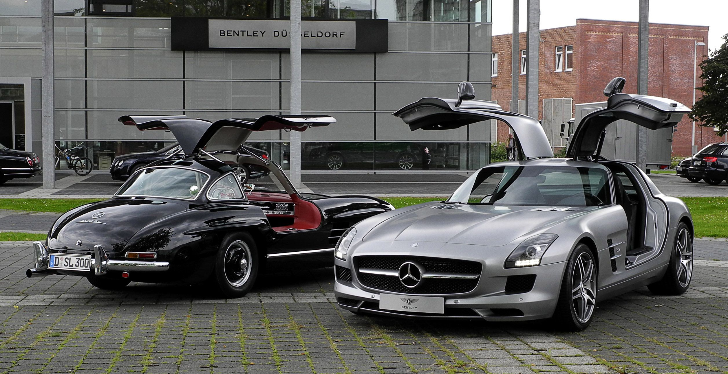 25 Mercedes Benz Sls Photos That Will Make You Want To Empty Your Bank Account Mercedes Benz Sls Mercedes Benz 300 Mercedes Benz
