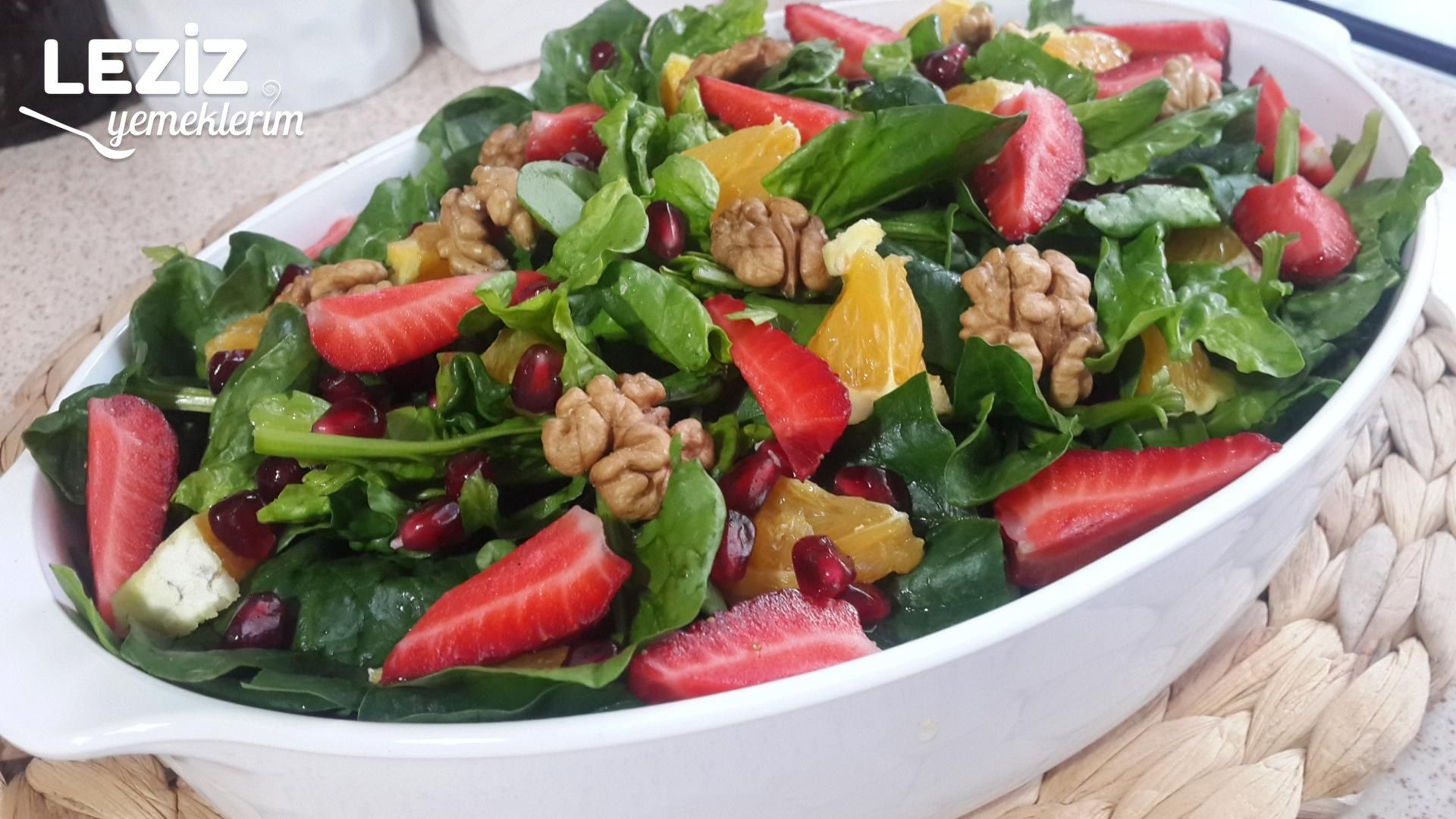 Meyveli Kinoa Salatası Tarifi