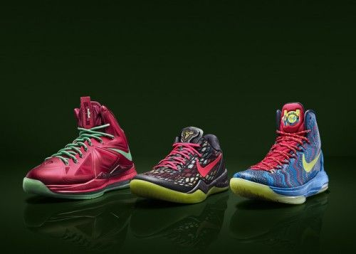 dfb2828e51770 Freshly Dipped  Nike Christmas Day Shoes for LeBron