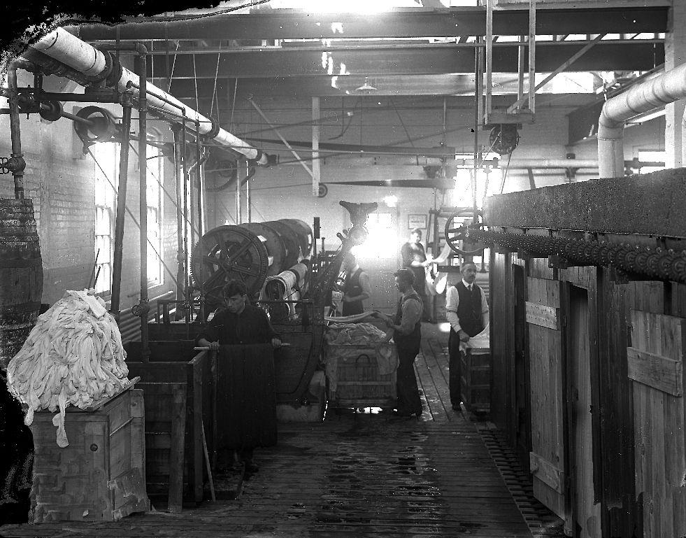 Hosiery mill dye area c 1914 1927 Vintage london, I am