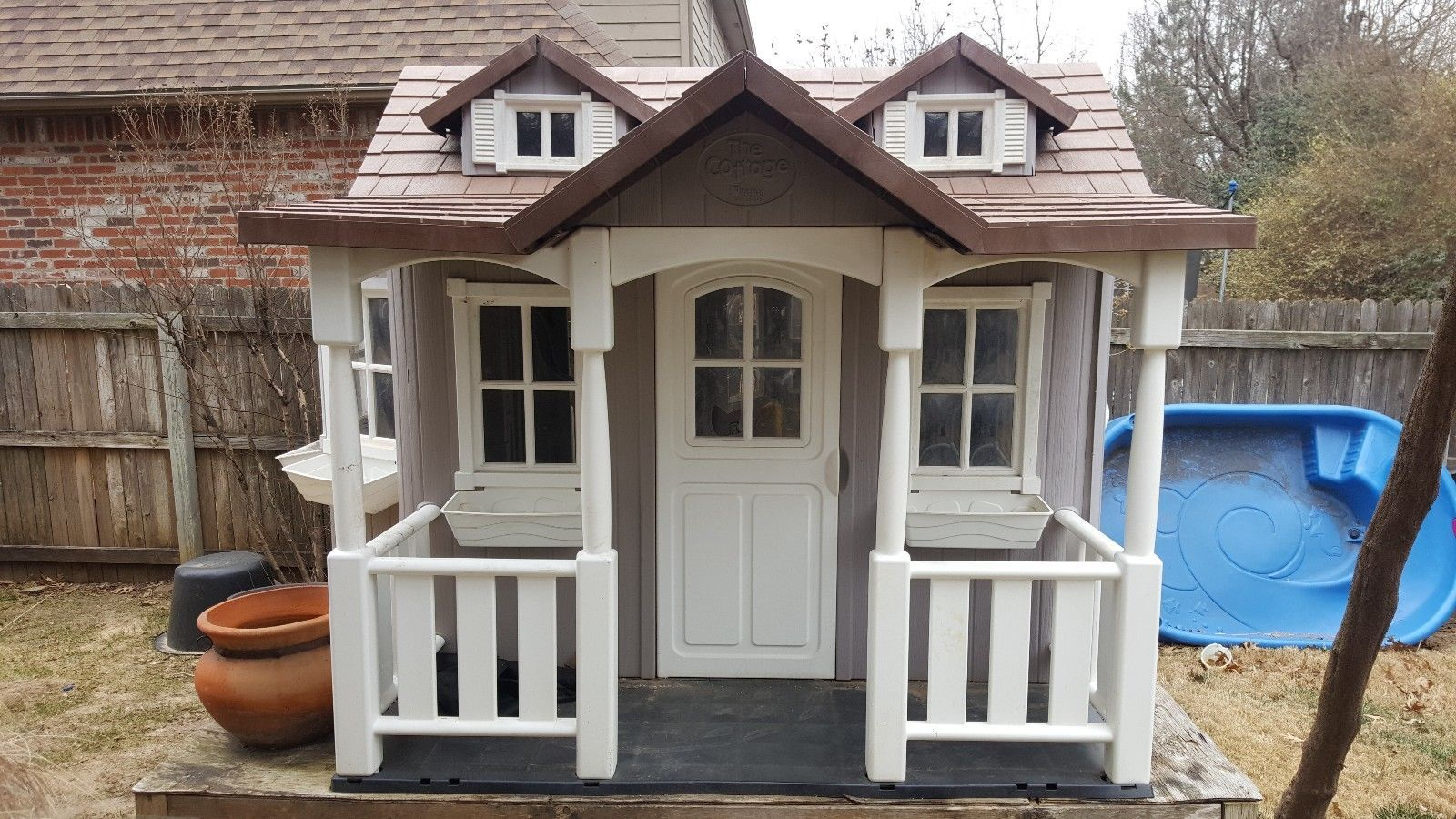 Playhouse Super Cute Backyard Cottage Thinking Outside