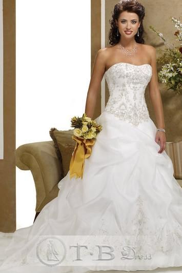 A-Line/Princess Sweetheart Chapel  Bridal Gown (3AA0306) beautiful