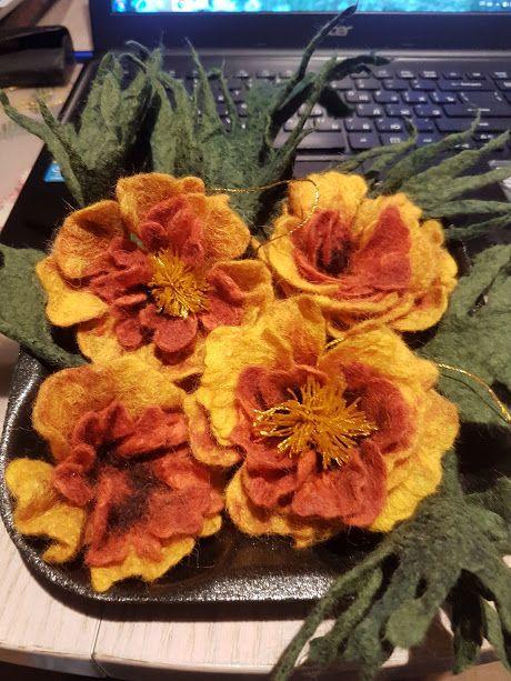 """Handmade, felting. Валяні квіти """"Чорнобривці"""". Зроблені з вовни австралійського мериносу. Прекрасний декор до одягу"""