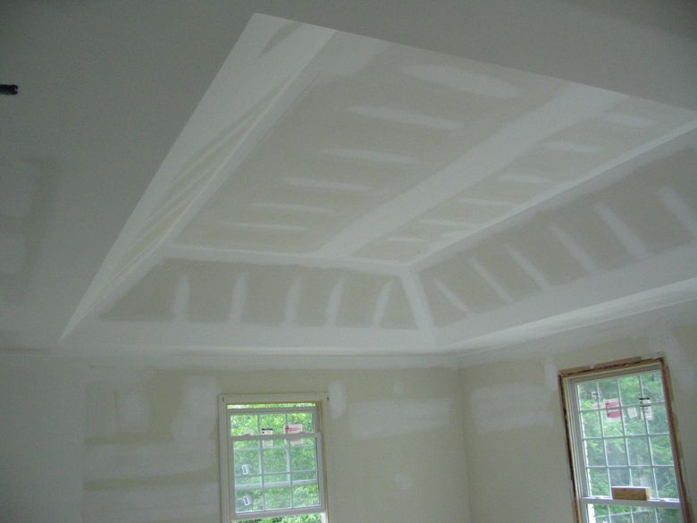 crown molding vaulted tray ceiling