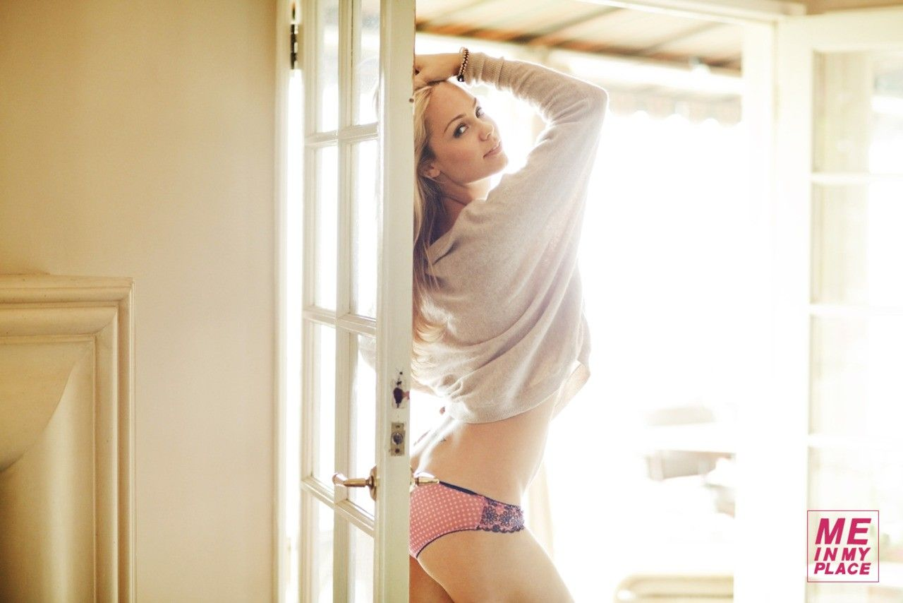 "Actor Laura Vandervoort, on 12 July 2011, from the ""Me In My Place"" photoshoot for the June-July 2012 issue of the US edition of ""Esquire"" magazines. Photographed by Michael Edwards at 11:37am."