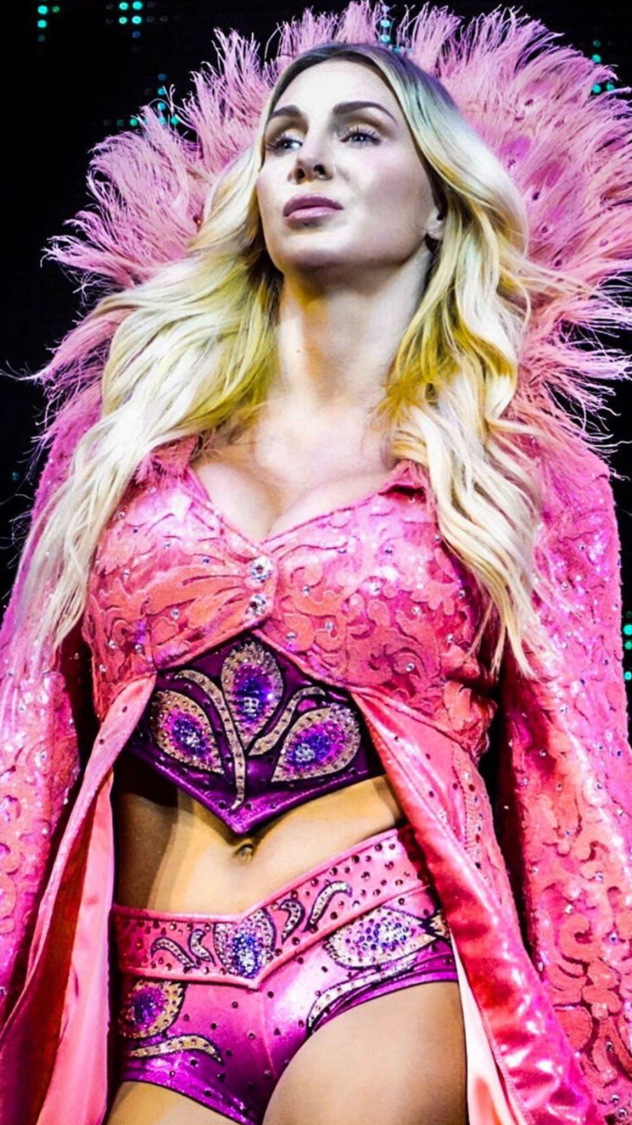 La estrella de la WWE Charlotte Flair se envenenó con la