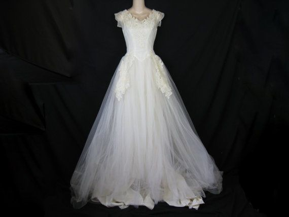 S fink original wedding gown white appliqué lace full tulle