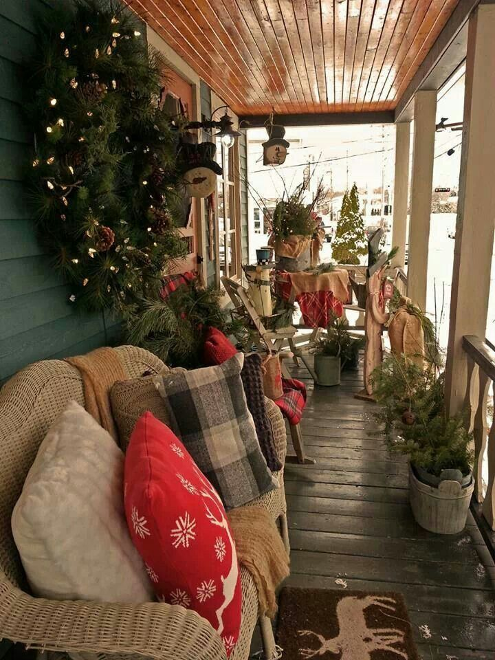 country christmas porch if mama was still with us she would love this and it would be perfect for her screened in porch