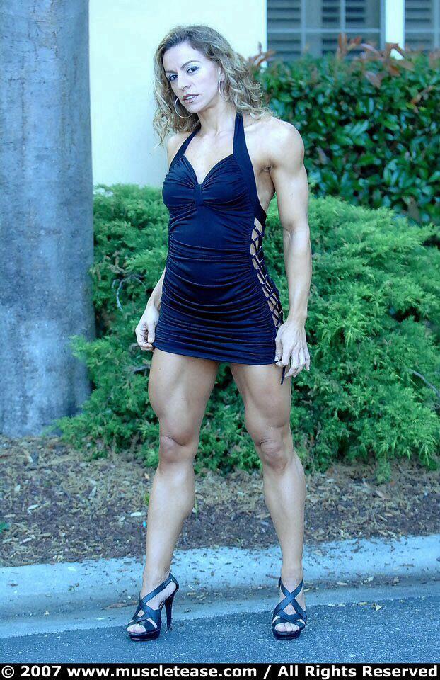 Juliana Malacarne   Fit women, Women's muscular legs, Women