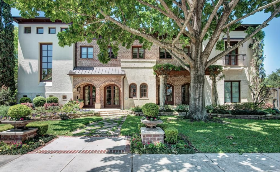 This Brick Stone Amp Stucco Home Is Located At 6314 Brompton Road In Houston Texas And Is Situated On Half An Acre Of Mansion Designs Stucco Homes Mansions
