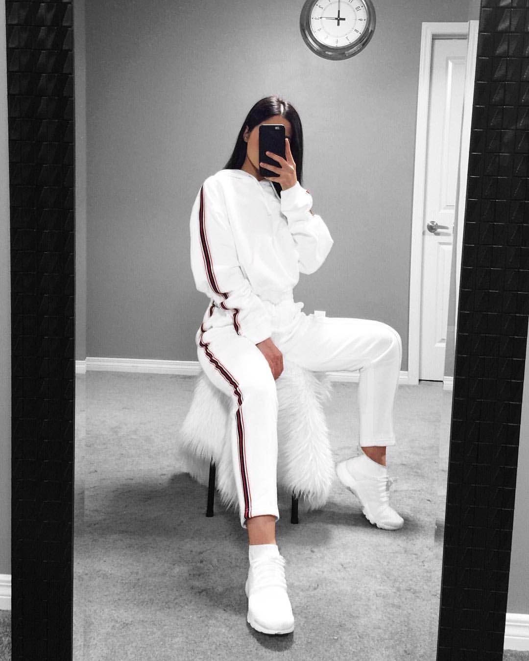 """3,188 curtidas, 44 comentários - x. (@tamana_zmarii) no Instagram: """"Leveling up…"""" #outfits4school"""
