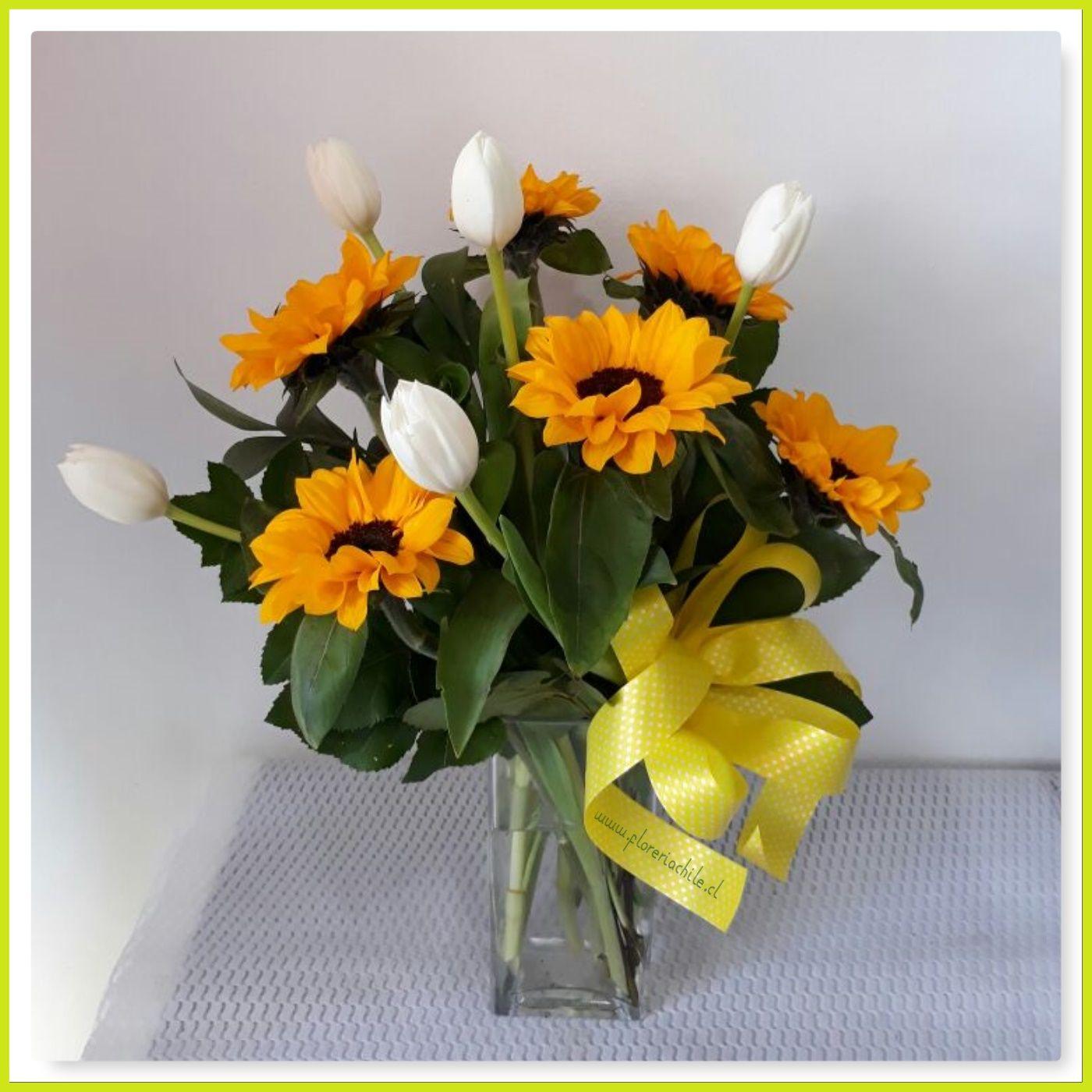 Florero De 05 Tulipanes 06 Varas De Girasoles Flowers