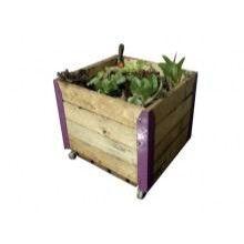 Las Huerteras son estructuras de madera reciclada de pallets con esquineros de colores. CAPACIDAD: 75dm3
