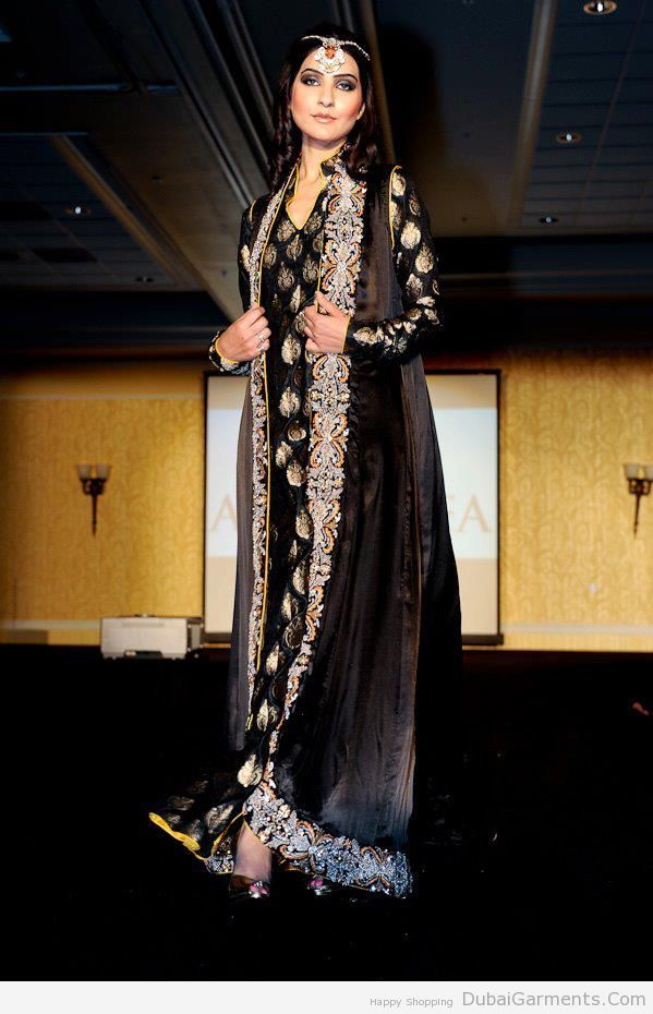 Dubai Designer Pakistani Wedding Dresses Google Search Velvet Dress Designs Pakistani Party Wear Dresses Gown Style Dress