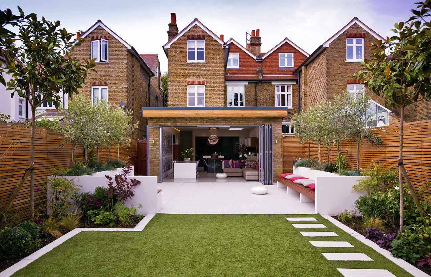 Small narrow garden design ideas backyard oasis for Small terraced house garden ideas