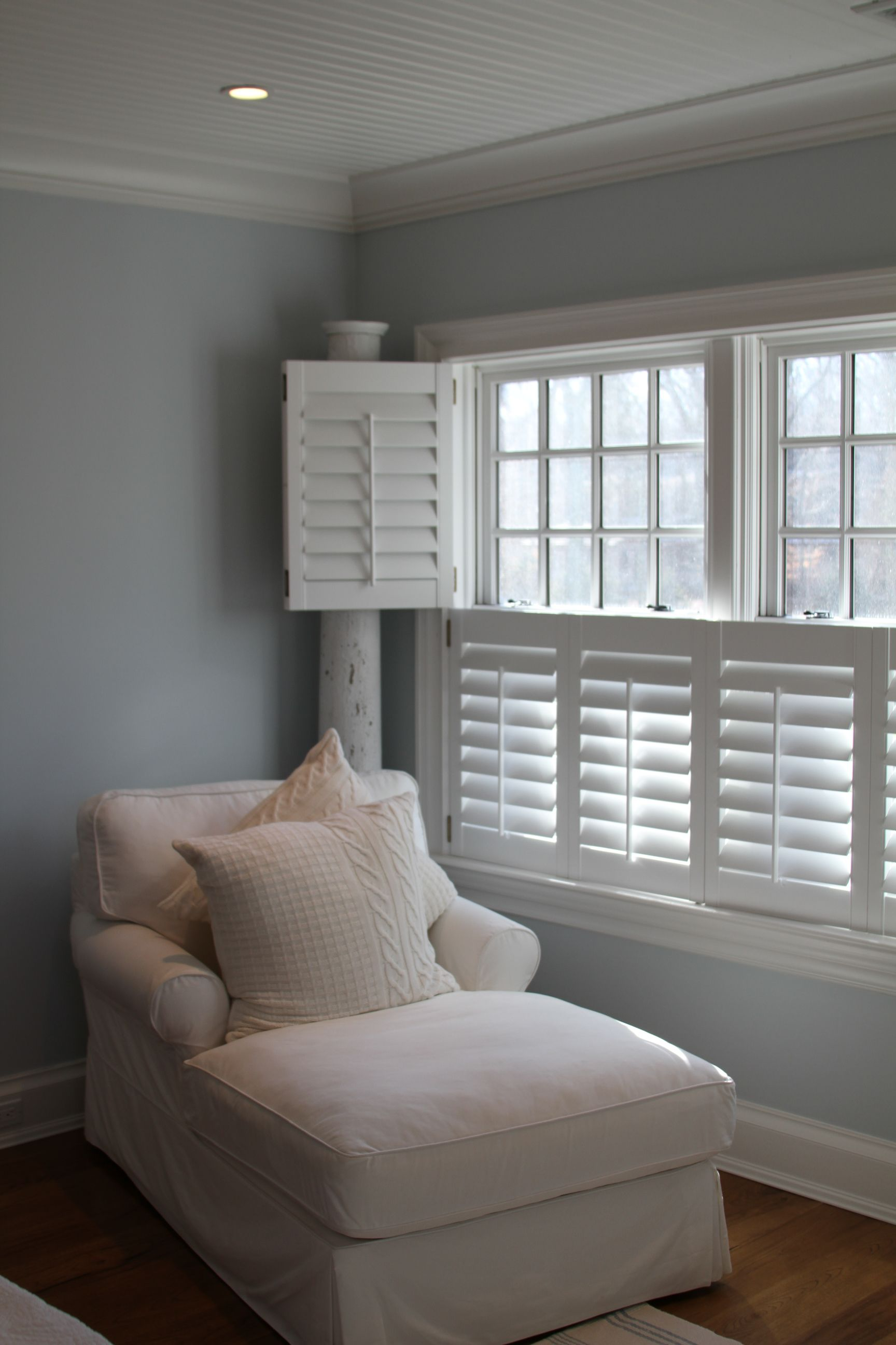 windows with white shutters in bedroom master bedroom. Black Bedroom Furniture Sets. Home Design Ideas
