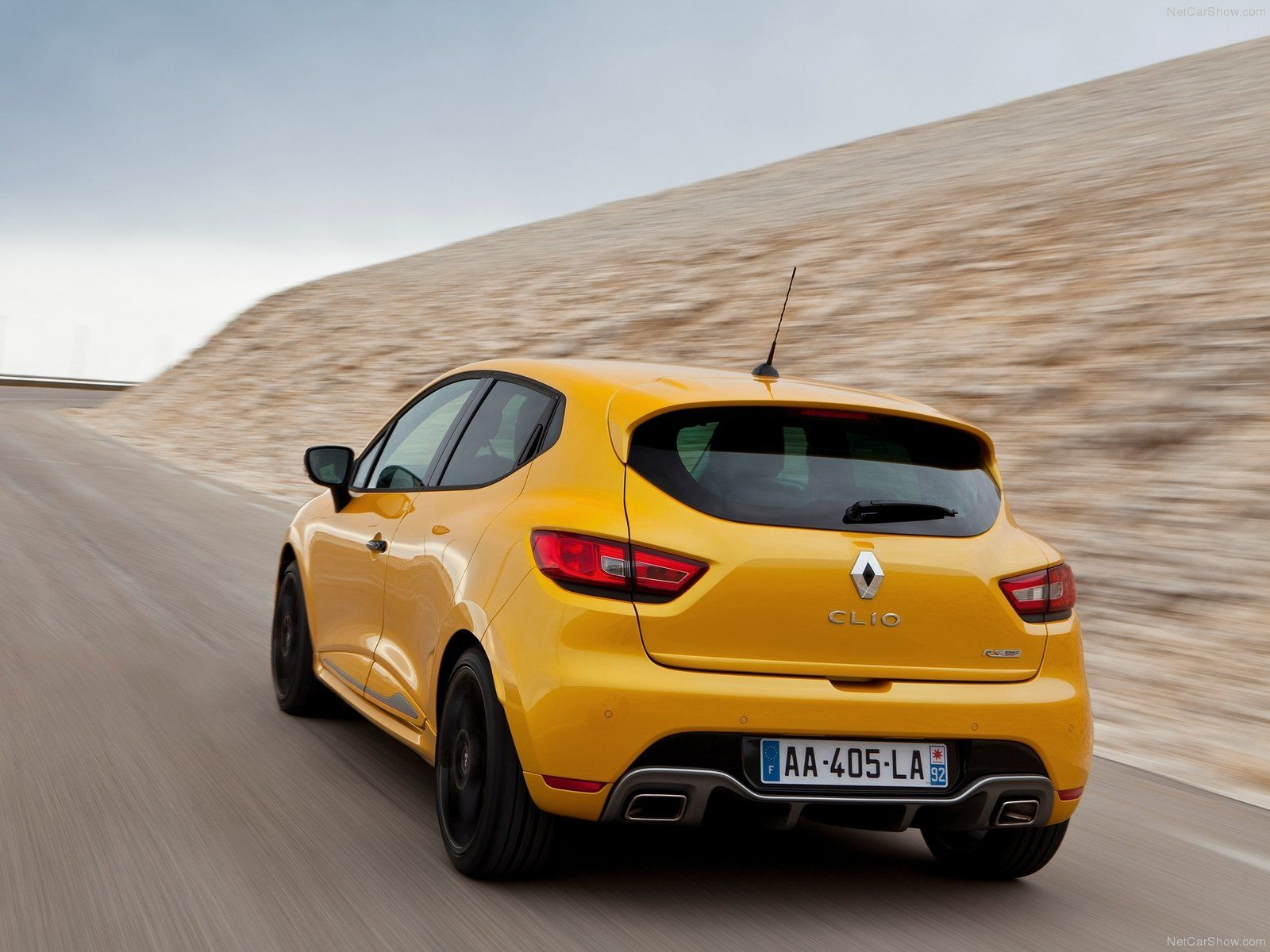 Renault Clio Gt Wallpaper For Sports Styling And Performance Look