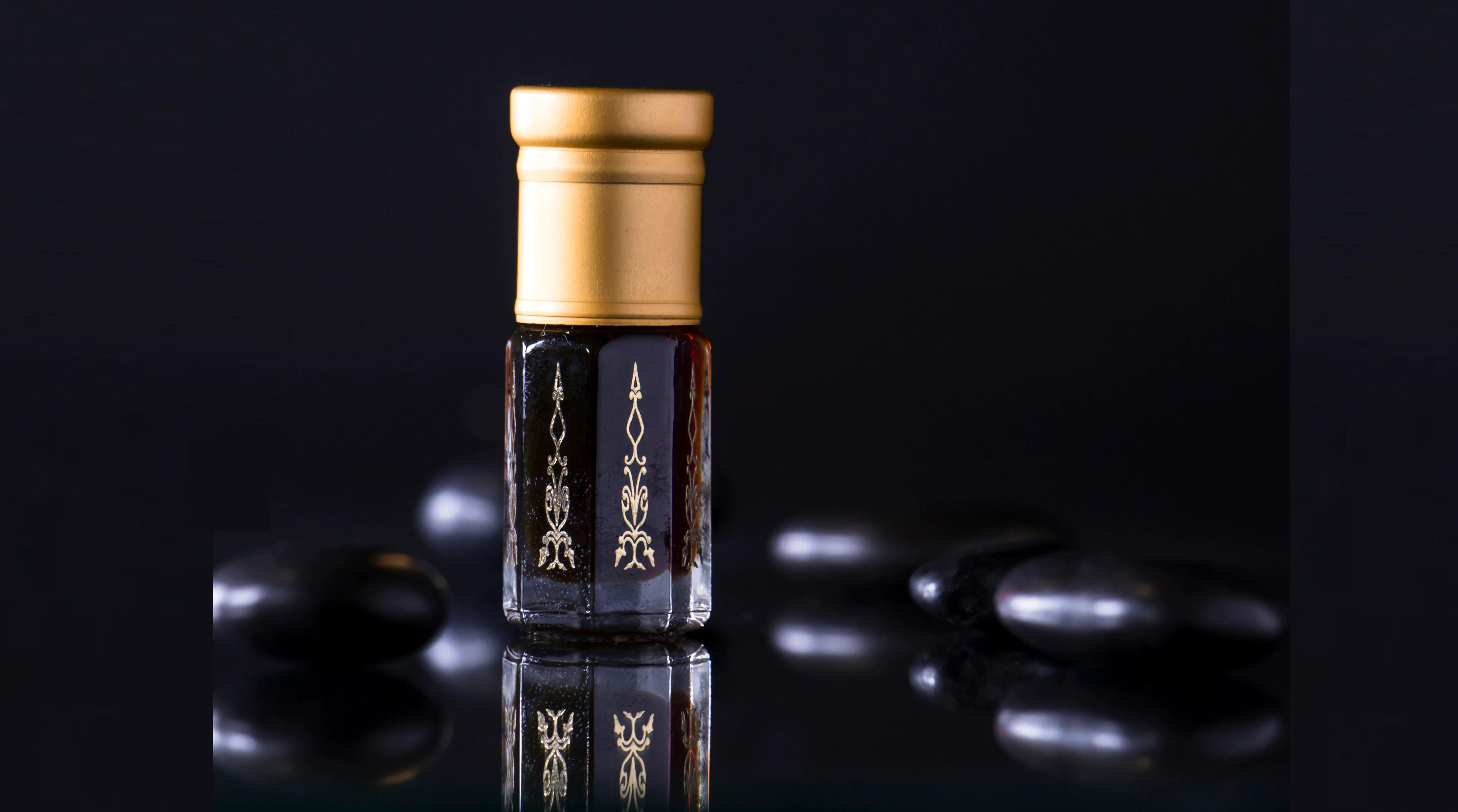 تعرف علي مسك الغزال الاسود من متجر أبانمي Perfume Bottles Perfume Coffee Maker