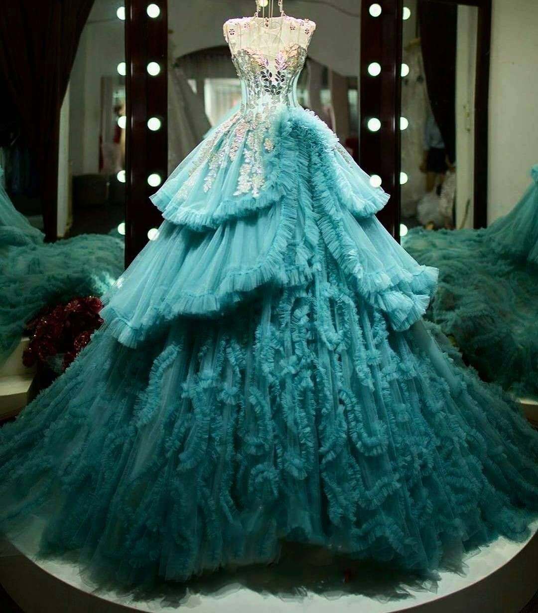 beautiful gown 👸💚yes or no? via | fairytale dress, ball