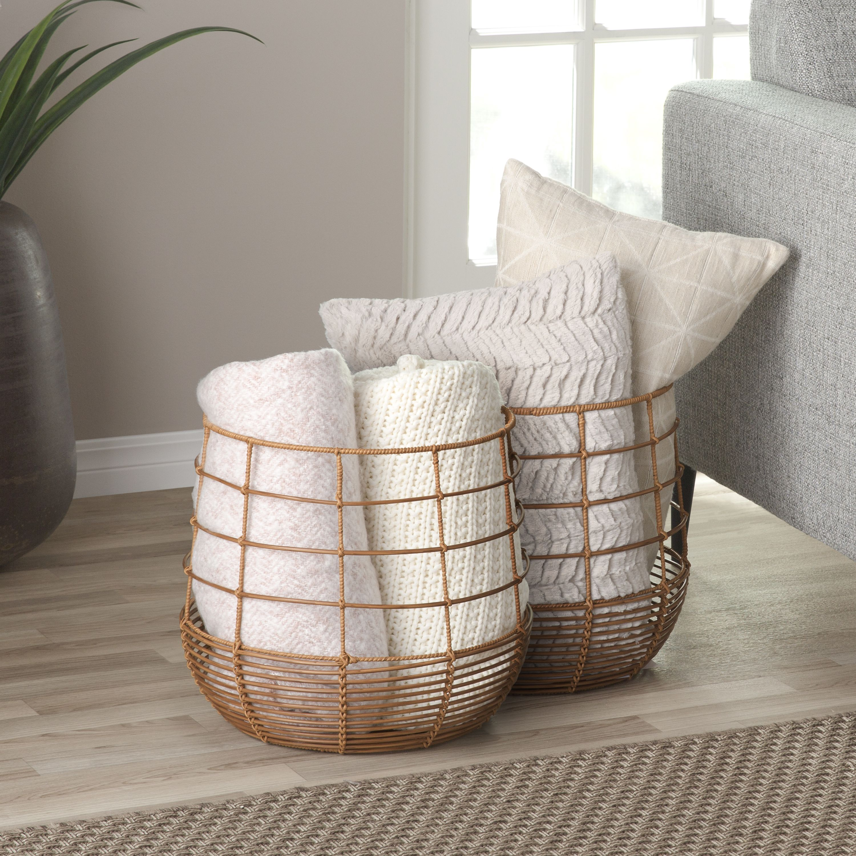 Modrn Naturals Floppy Seagrass Laundry Basket With Lid With Leather Handle In 2020 Rattan Basket Rattan Bamboo Basket