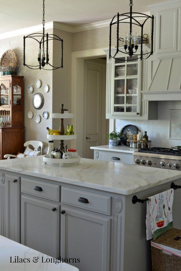 Lovely Country Gray Kitchen Cabinets