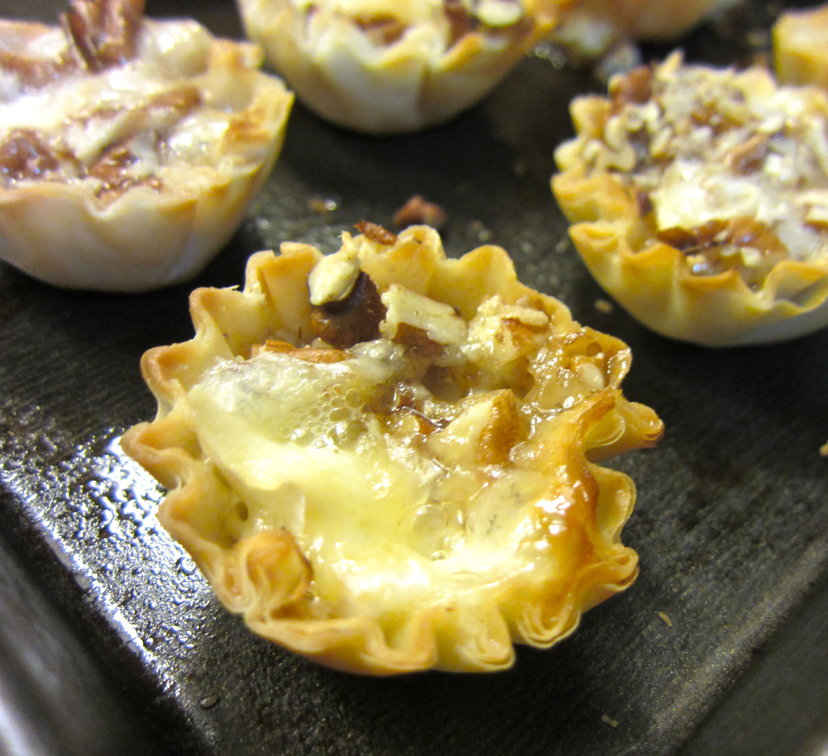 Baked Brie Bites Party snack food, No cook appetizers