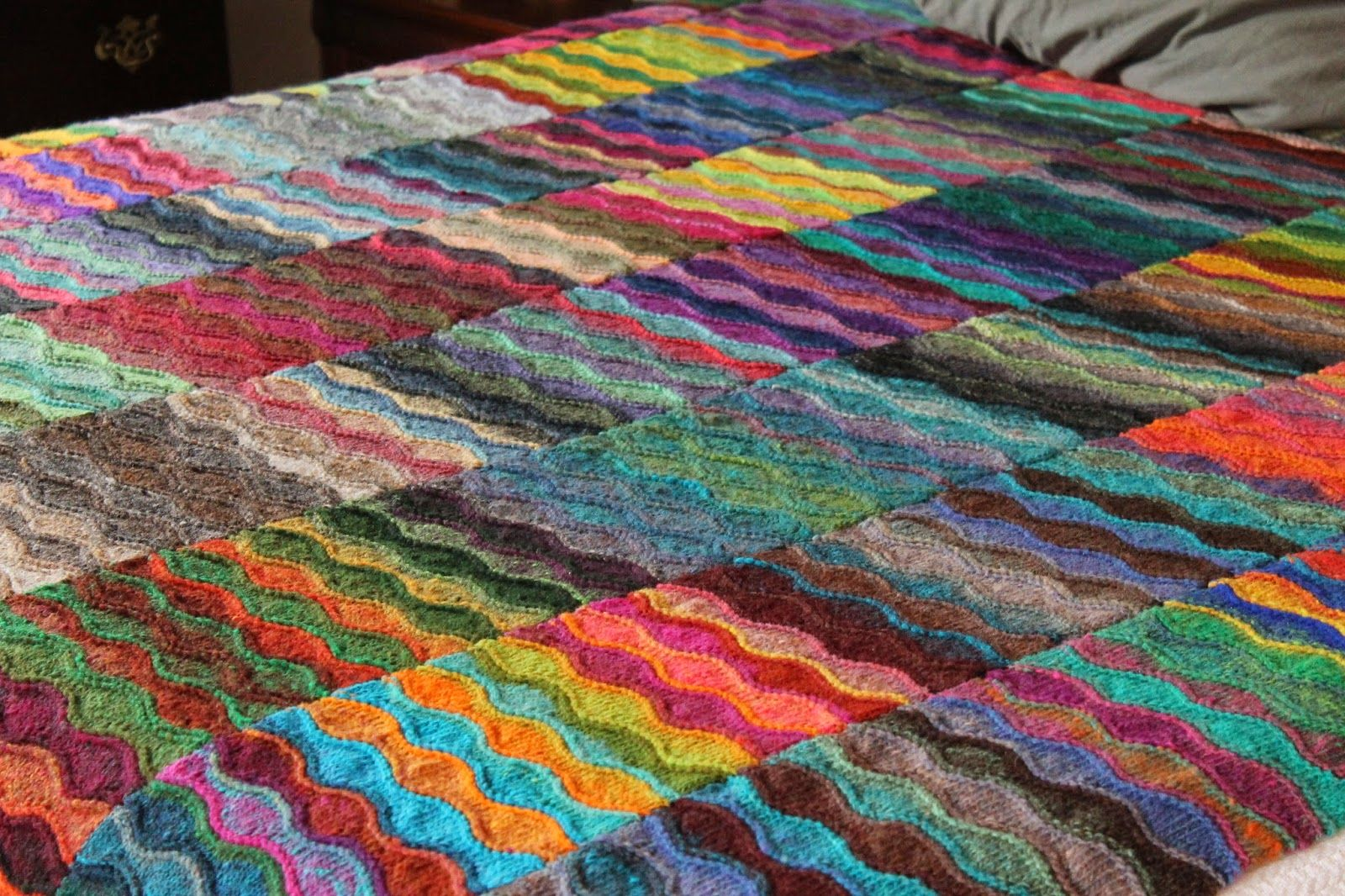 Lizard Ridge - this one has a link to the original pattern | Yarn ...