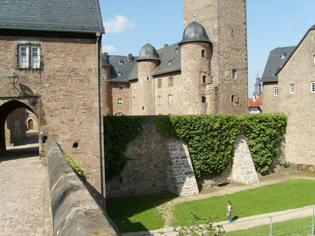 Steinau An Der Strasse Steinau Castle And Moat Steinau An Der Strasse