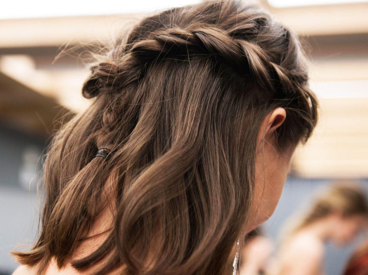 Die besten Frisuren für ungewaschene Haare