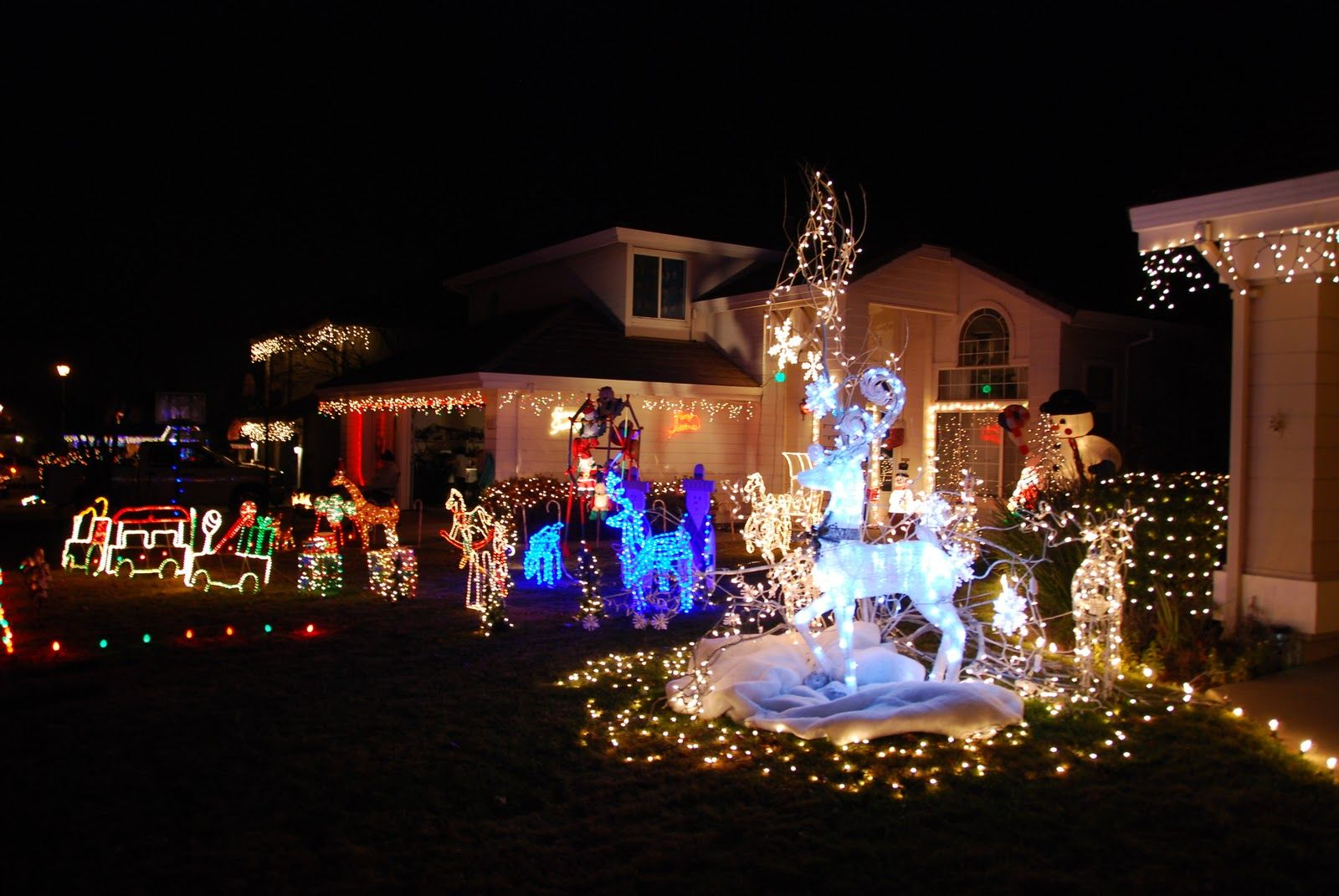 Rocklin Christmas Lights at Pebble Creek and Strand Drive