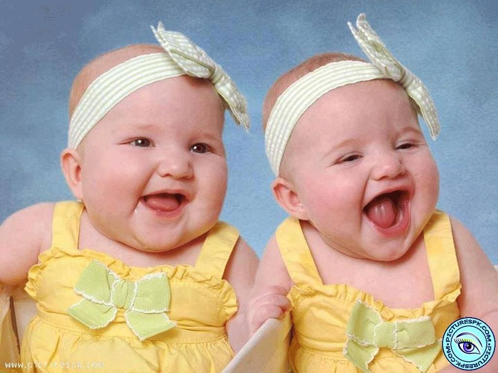 Twin Giggles From Two Adorable Baby Girls Cute Baby Pictures