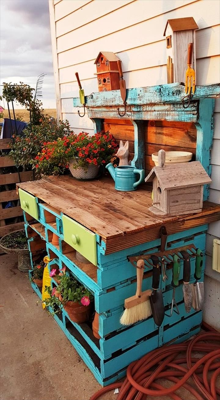 Potting Bench Ideas Want To Know How To Build A Potting Bench Our Potting Bench Plan Will Give You A Functional Pallet Potting Bench Diy Backyard Pallet Diy