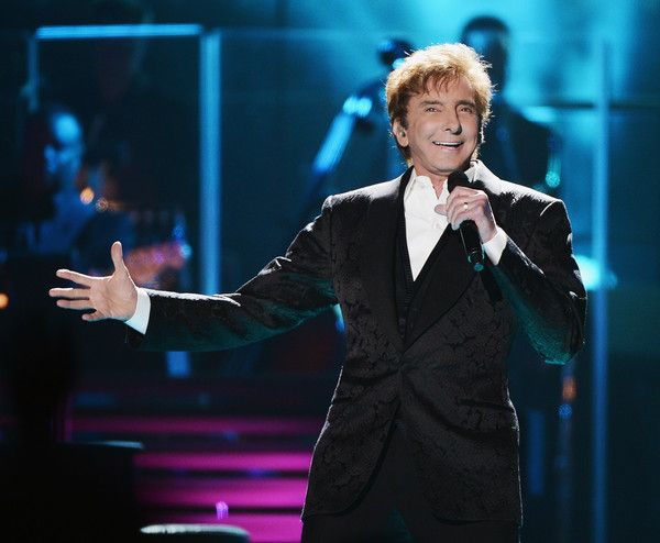 Barry Manilow Photos Photos - Barry Manilow performs at Barclays Center of Brooklyn on June 17, 2015 in the Brooklyn borough of New York City. - Barry Manilow Performs in Concert in Brooklyn, New York