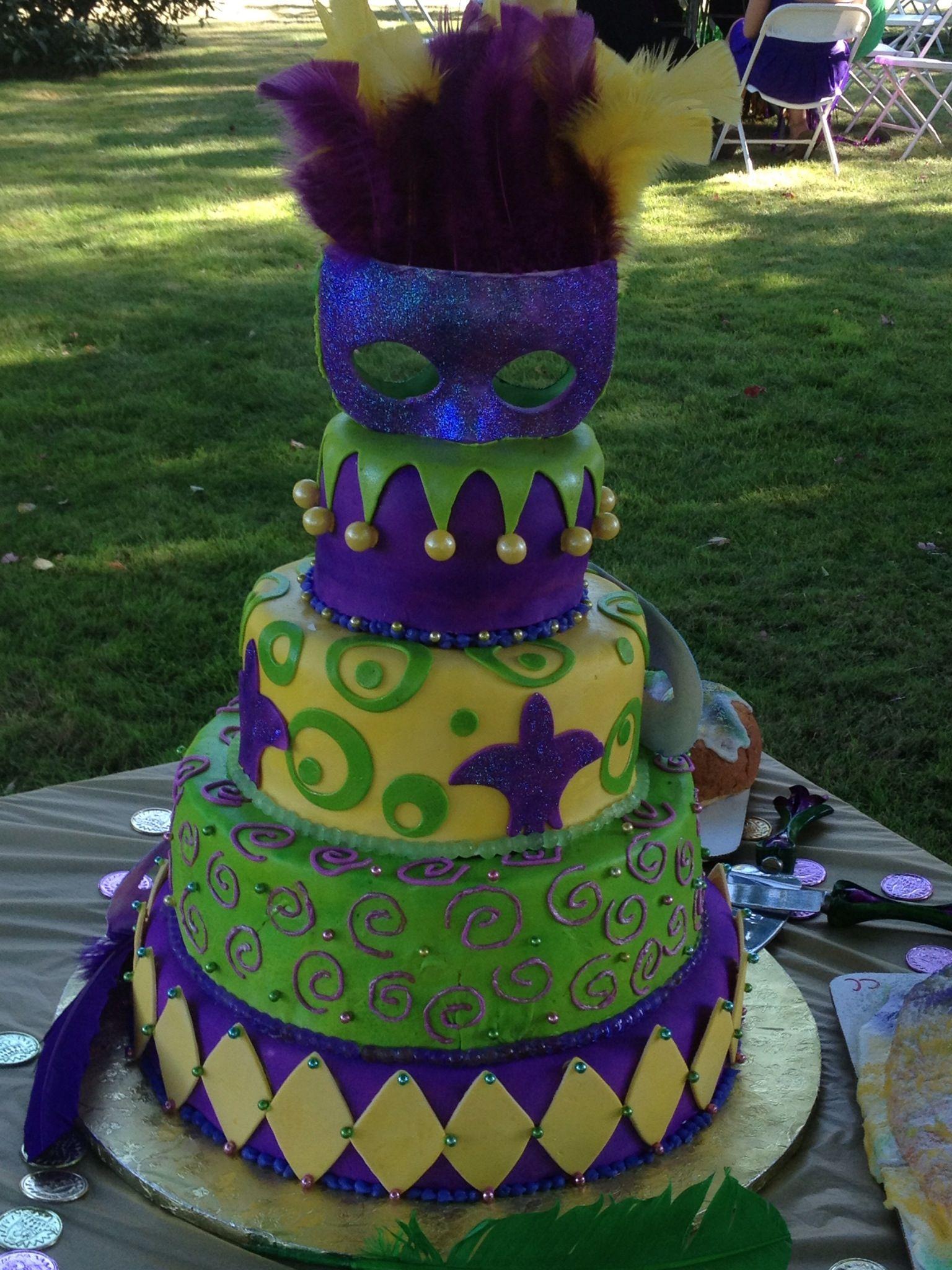My Mardi Gras wedding cake | Kimmi\'s Cakes | Pinterest | Mardi gras ...