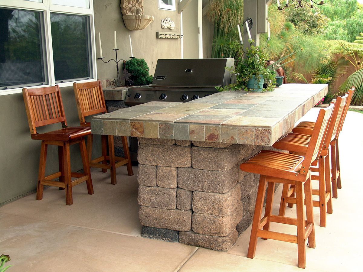 BBQ Island Hardscaping Features