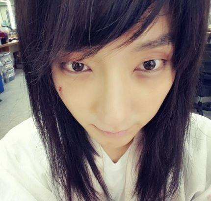 李准基身穿韩服留着长发 脸上的伤口怎么回事 imkpop 中国版 actors instagram posts instagram