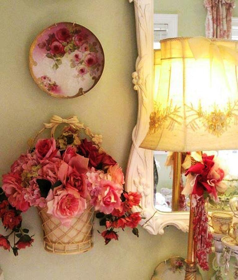 Love the rose theme Romantic shabby chic, Shabby chic